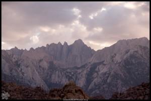 Alabama Hills mit Sierra Nevada im Hintergrund
